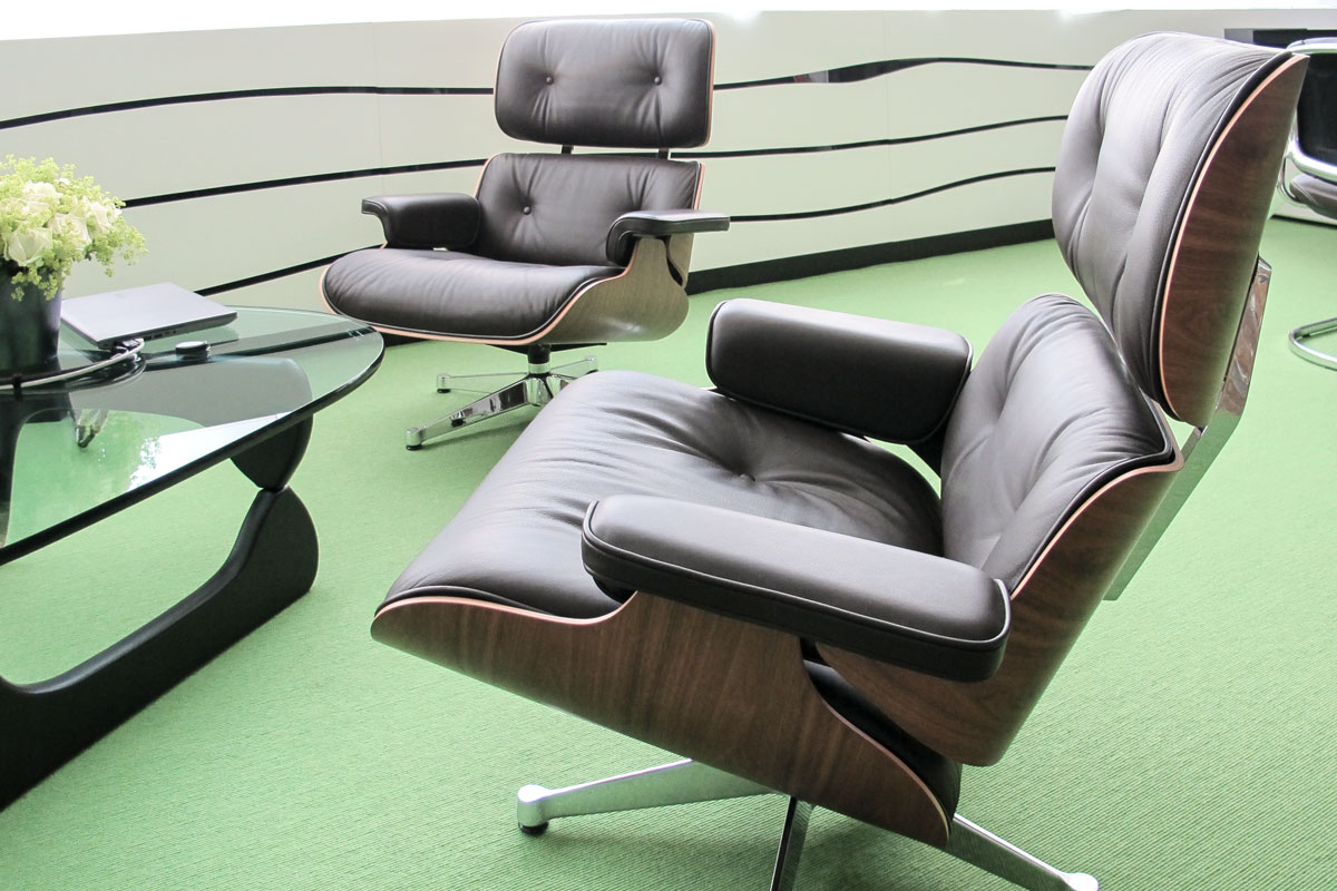 Bequeme Sitzmöbel im Vorstandsbuero