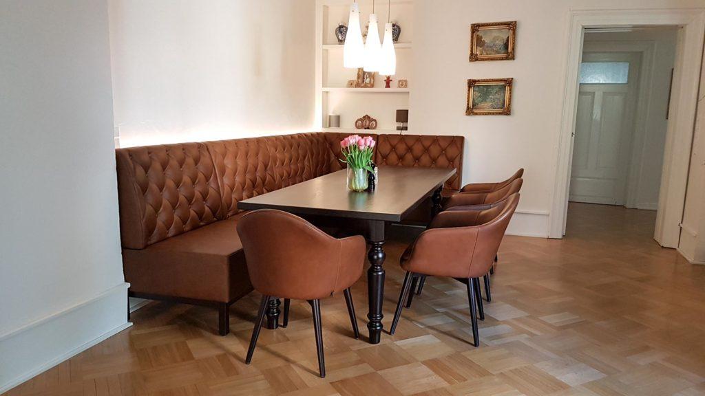 Eckbank Chesterfield Steppung_Stühle_Tisch_Esszimmer Im Klassischen Design