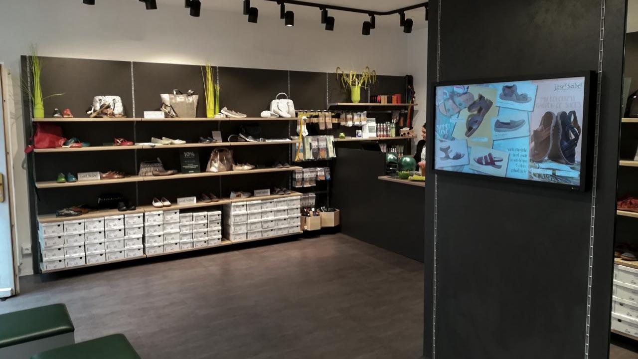 details for hot sale online first look Shopdesign & Ladenbau   Hammer Margrander Interior