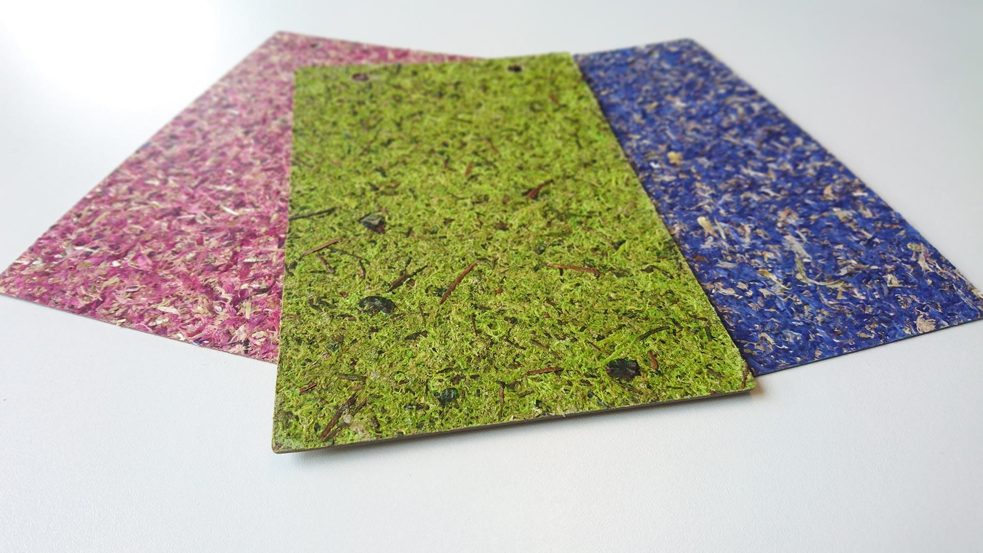 Durch Pressen der Naturwerkstoffe entsteht eine Matte, die sich einfach auf gerade Flächen aufbringen lässt. Durch ein spezielles Verfahren kann das organische Material aber auch direkt in Form gepresst werden.