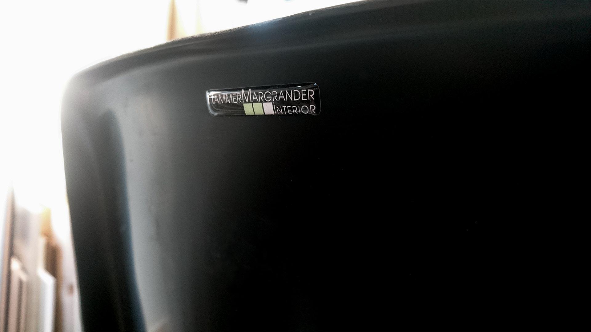 Mit den KSC-Stadionstühlen hat Hammer Margrander Interior die Gelegenheit bekommen, das Wildparkstadion unsterblich zu machen.
