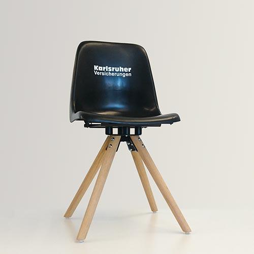 Designerstuhl aus KSC-Stadionsitz
