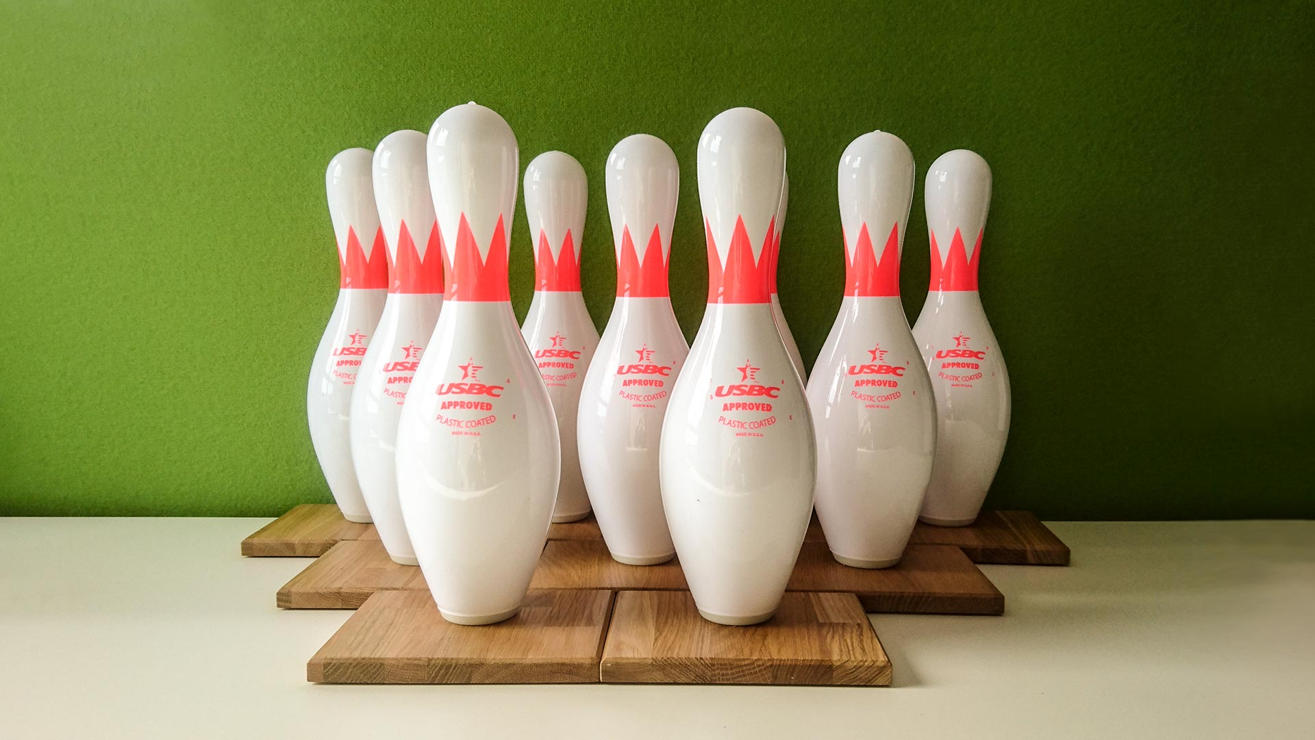 Aus Bowling-Pins werden Pokale
