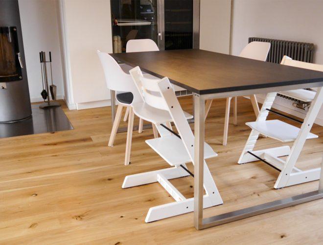 esstisch-dachgeschoss-einbauküche-mit-quarzstein-arbeitsplatte