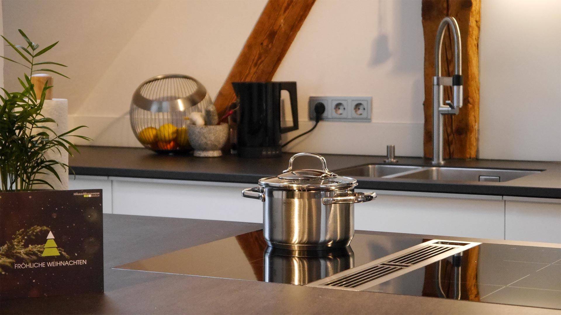 Für unsere Einbauküchen verwenden wir nur die hochwertigsten Komponenten