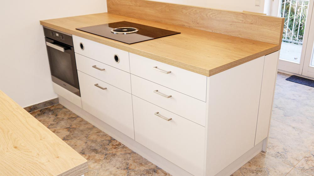 Küchenblock mit BORA Flächenabzugssystem