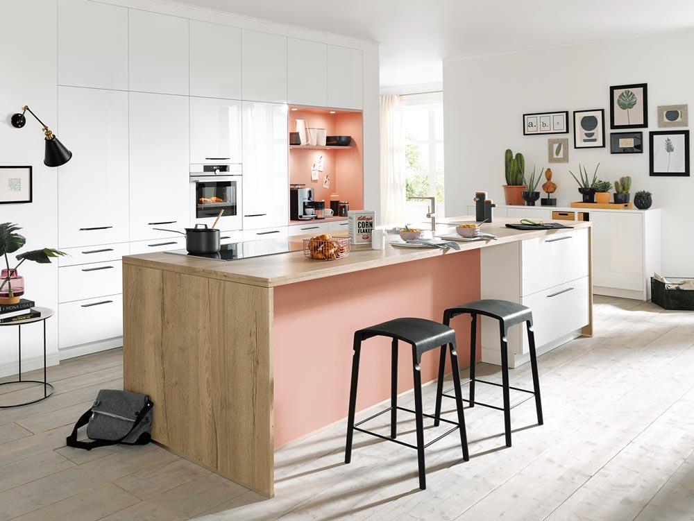 Eine Kochinsel macht das Kochen in Ihrer Einbauküche zum sozialen Ereignis.