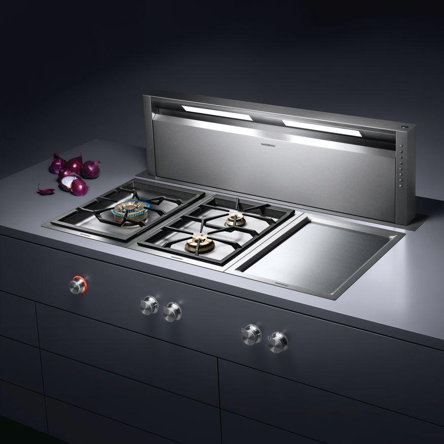 Wenn die Küche das Herz eines Hauses ist, ist Gaggenau die Seele. Der Erfinder des Einbaugeräts steht für vollkommene Ingenieurskunst und Profi-Niveau für zu Hause.