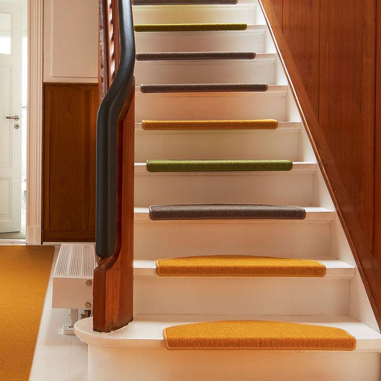 Stufenmatten bieten Trittdämmung und tolle Farbakzente