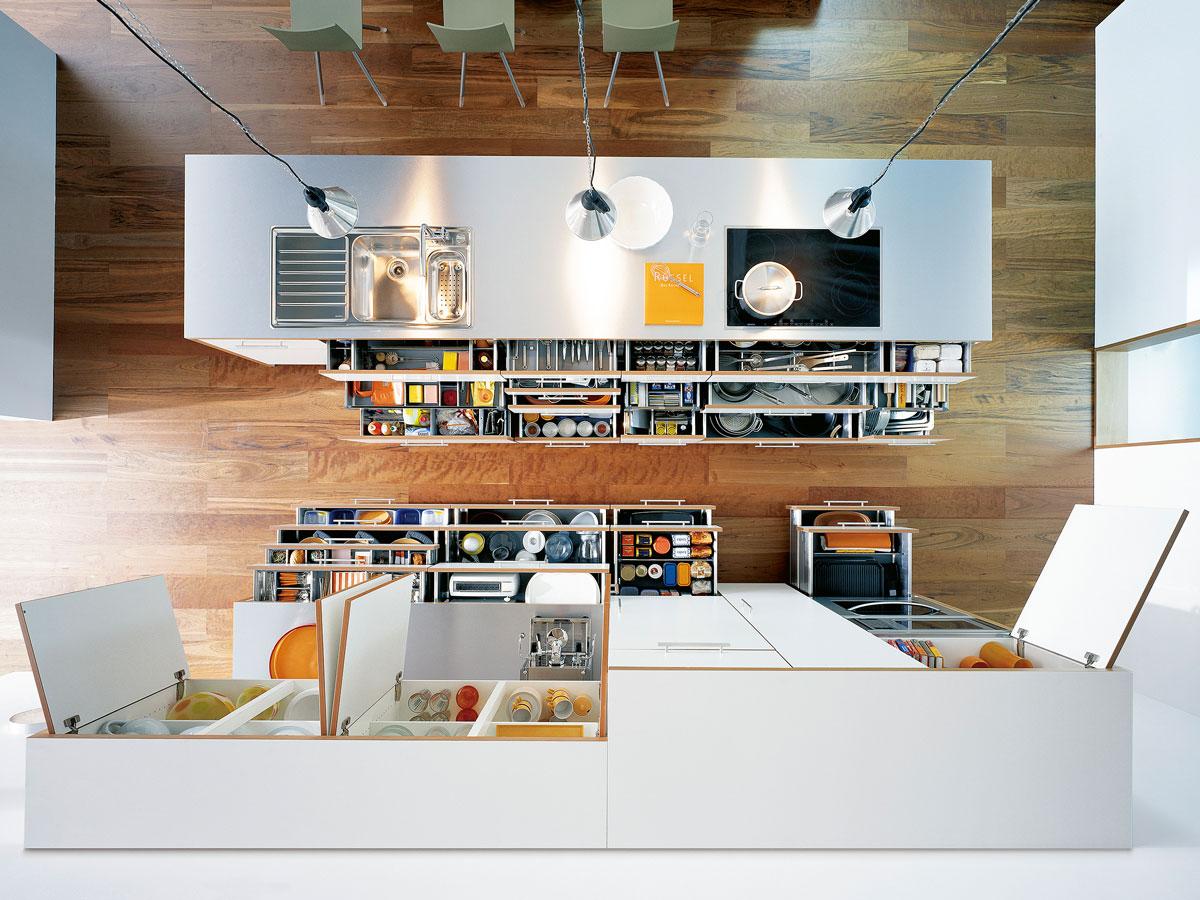 Alles in Ihrer Küche, sollte Sie bei alltäglichen Aufgaben unterstützen.