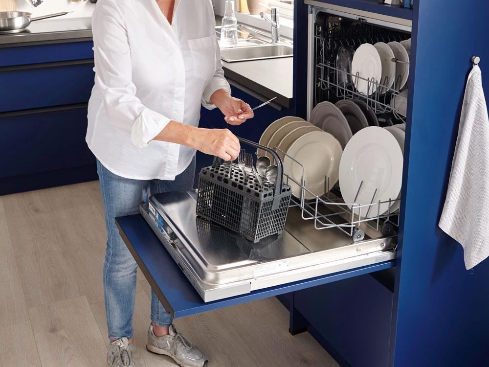 Ein ergonomisch absolut sinnvoller Trend: Der hoch eingebaute Geschirrspüler.