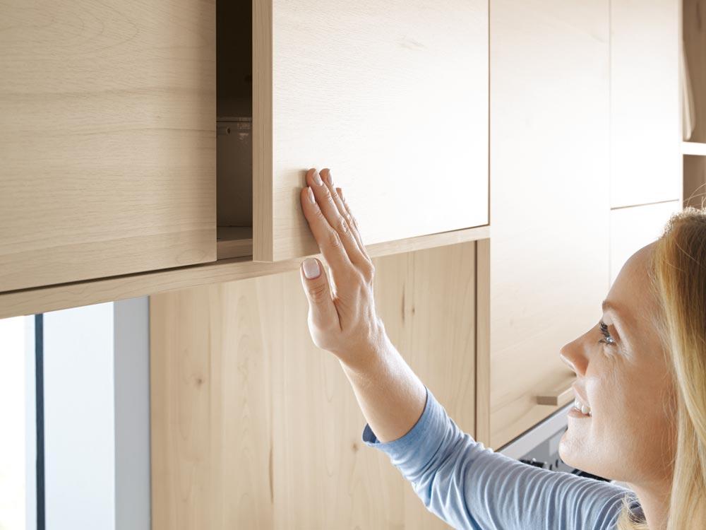 Tip On-Funktion ermöglicht grifflose Designs und kann allegemein die Handhabung erleichtern.