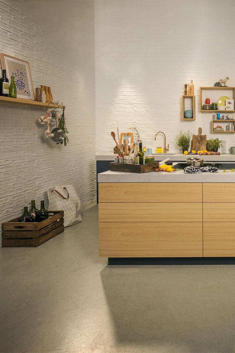 Inselküche ausgestattet mit Geräten aus der NEFF Collection
