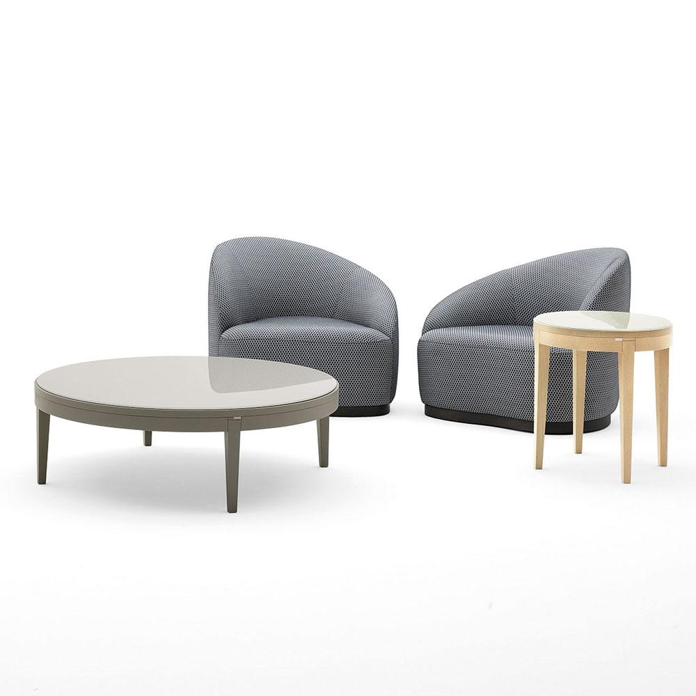 Design-Sessel für die Lounge.