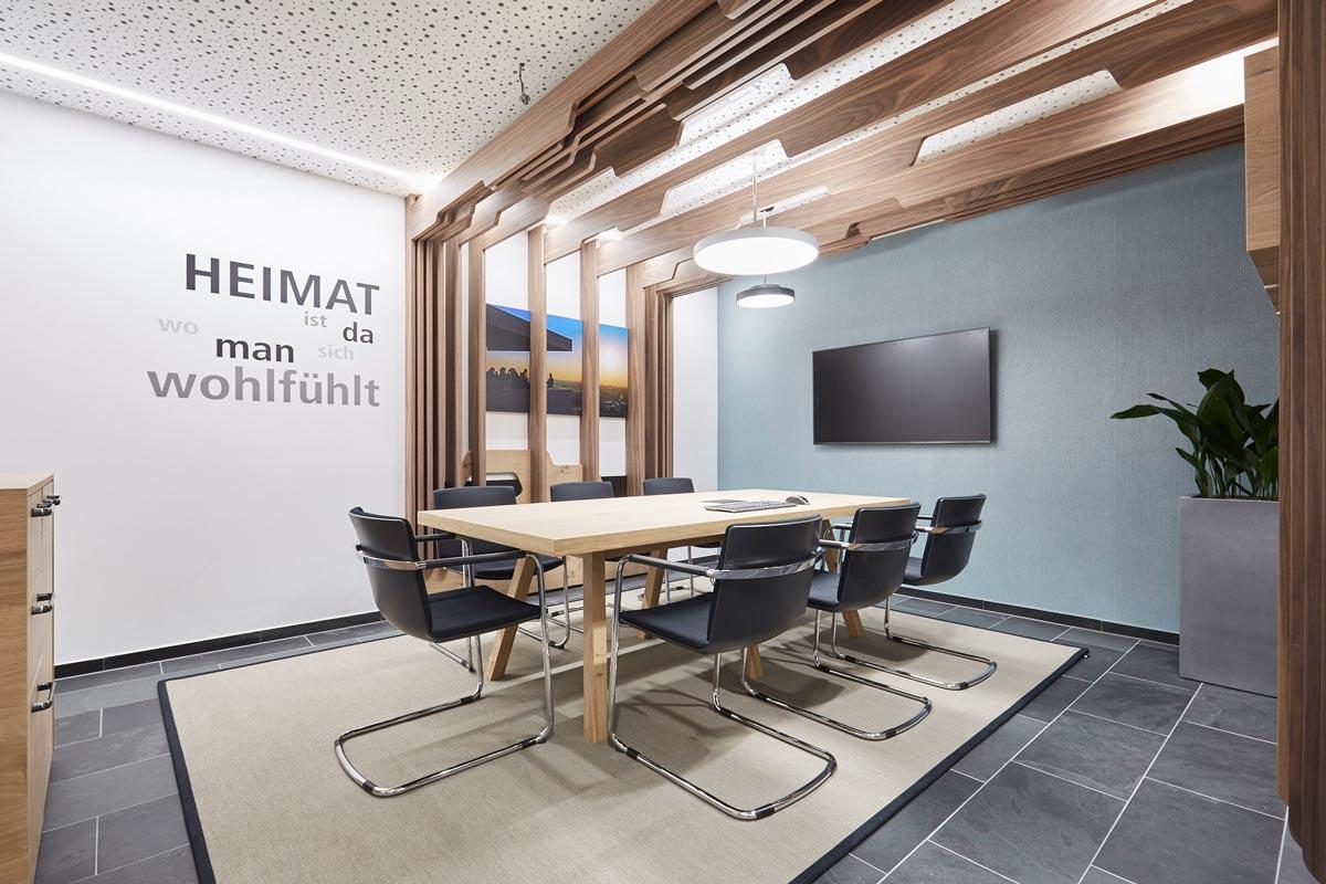 Beleuchtung im Besprechungsraum der Volksbank Regionalfiliale Karlsruhe Durlach