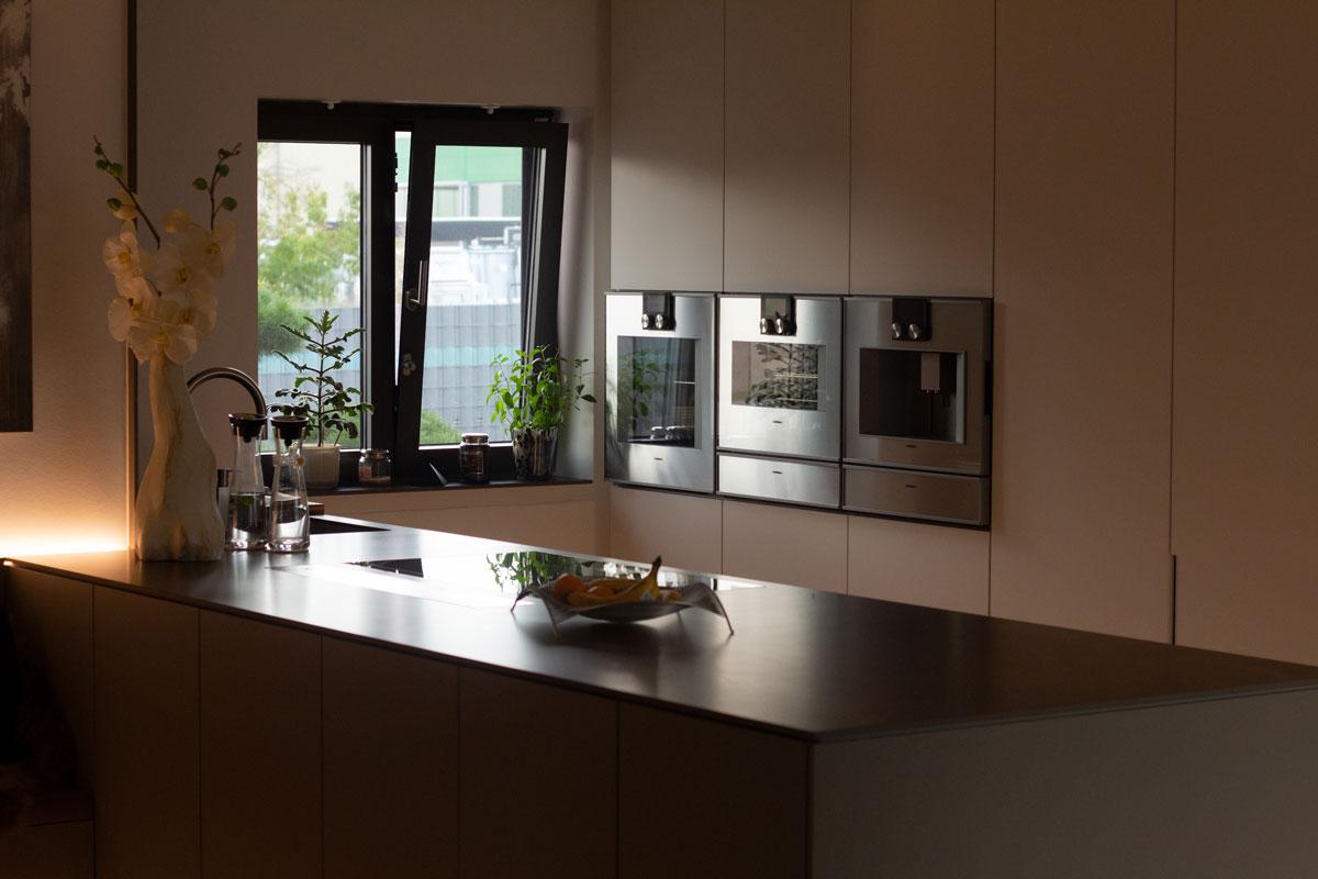High End-Schreinerküche mit Gaggenau-Einbaugeräten