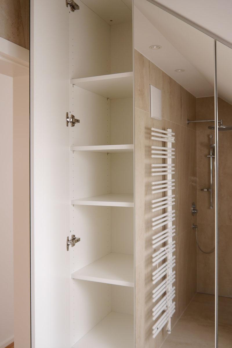 Ein Einbauschrank für maximalen Stauraum im Bad