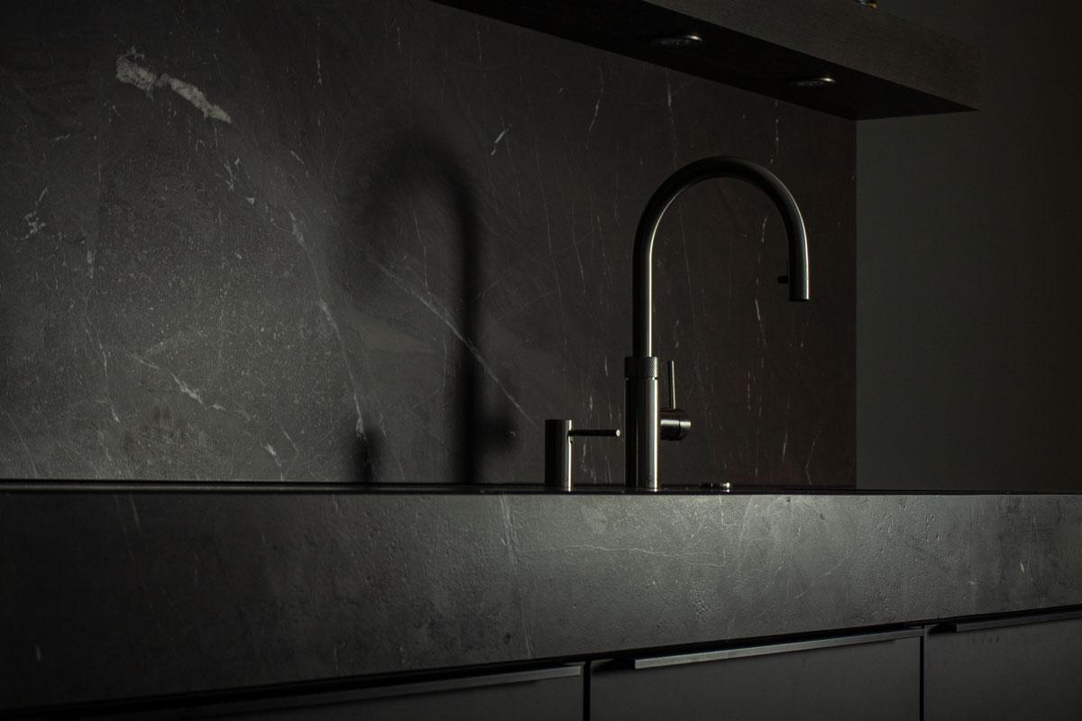 Probieren Sie den Quooker Wasserhahn selbst in unserer Ausstellung aus.