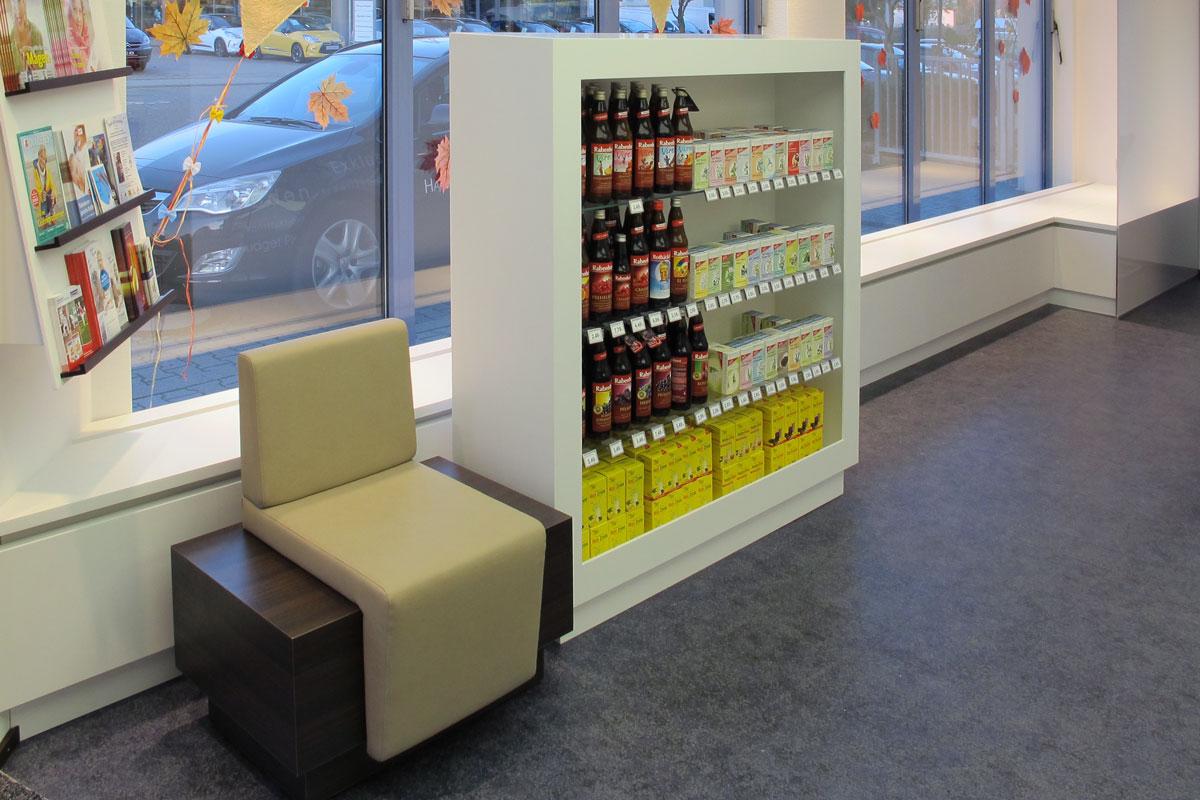 Entspanntes Warten in der Apotheke am Bahnhof
