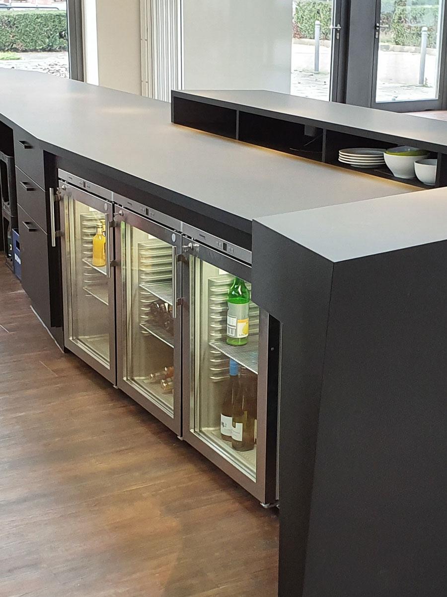 Bartheke mit Kühltechnik von Liebherr