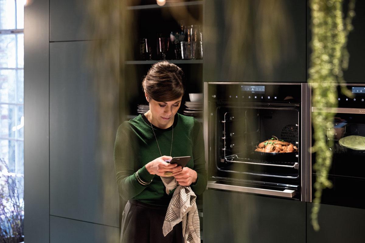 Küchengeräte von überall mit dem Smartphone steuern