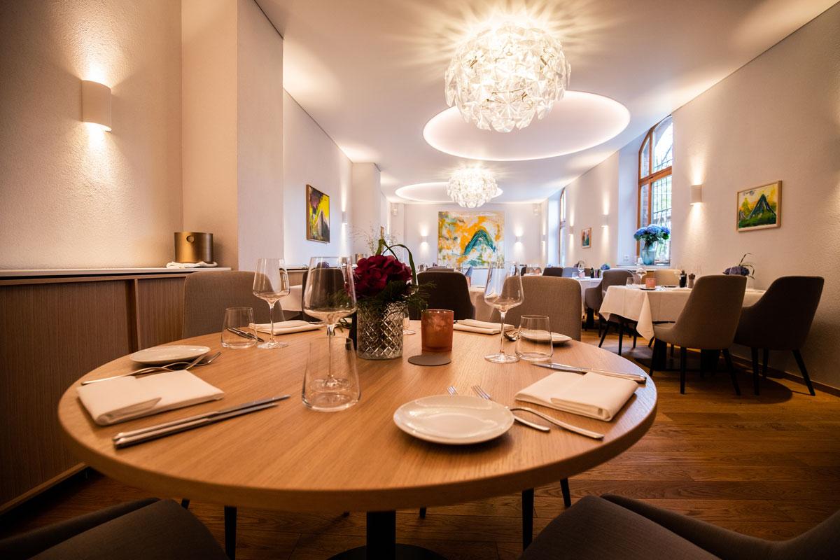 Geschmackvolle Gastronomieeinrichtung in der PAN Vinothek